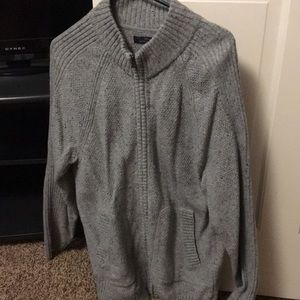 Men's zipper up sweater. Never wore